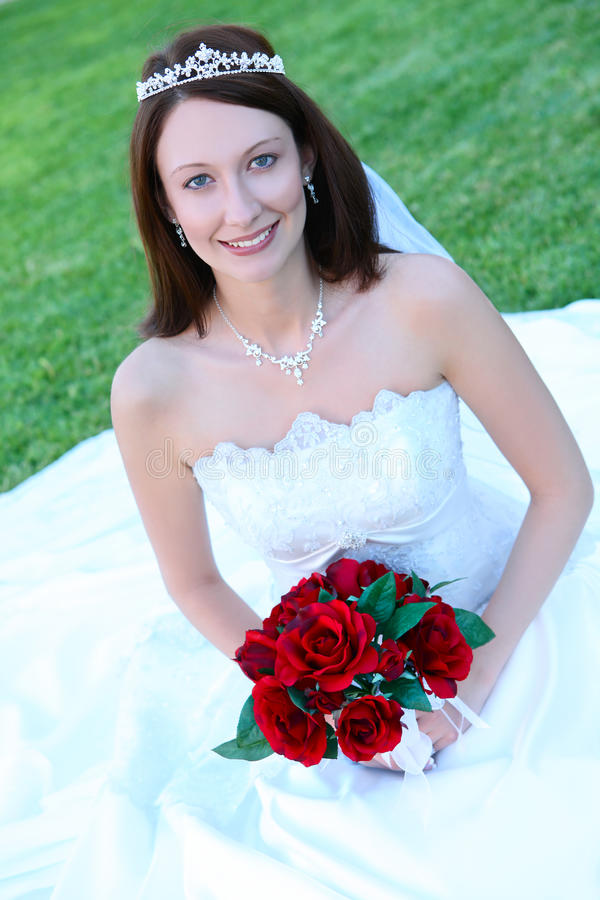 Mulher bonita da noiva no casamento fotografia de stock royalty free
