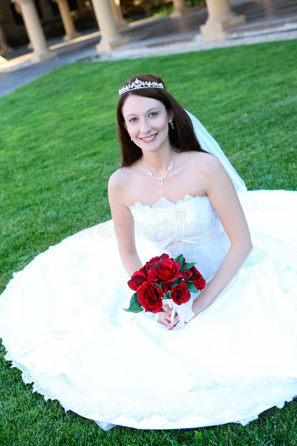Mulher bonita da noiva no casamento fotos de stock royalty free