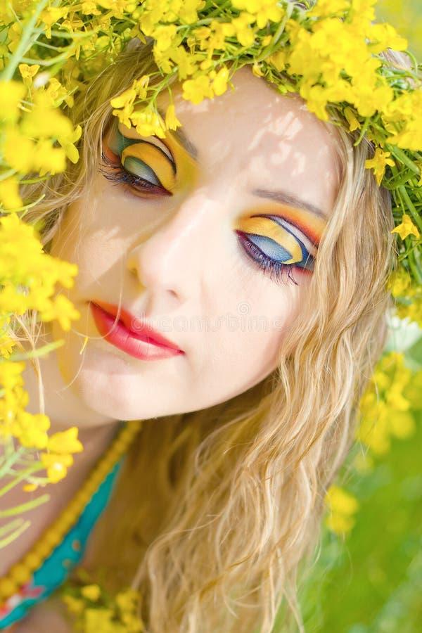 Mulher bonita de yang com composição do brught imagens de stock