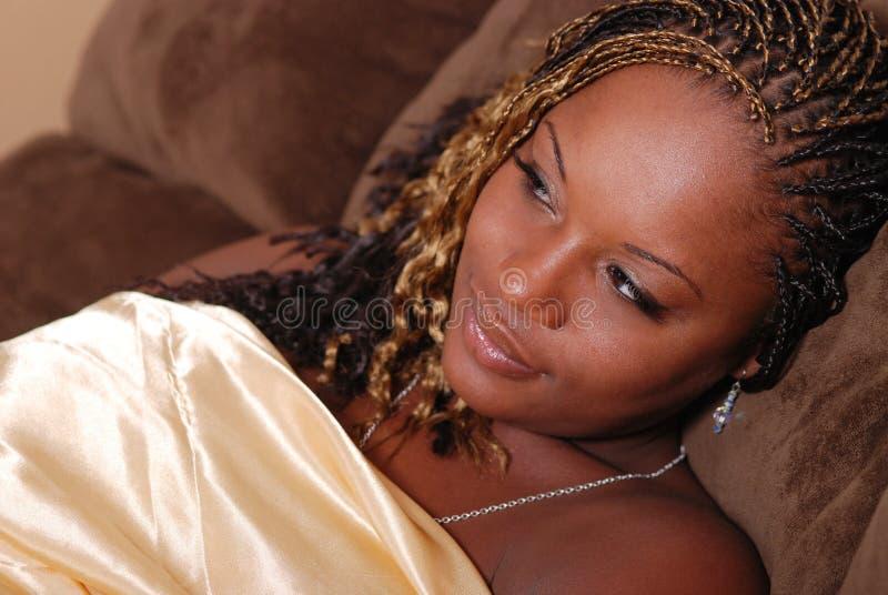 Mulher bonita do americano de Afrian. fotografia de stock