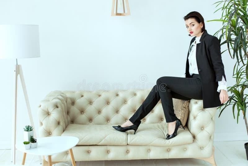 Mulher bonita do negócio imagens de stock