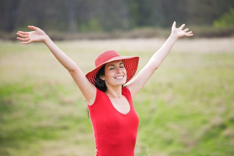 Mulher bonita do verão ao ar livre fotos de stock royalty free