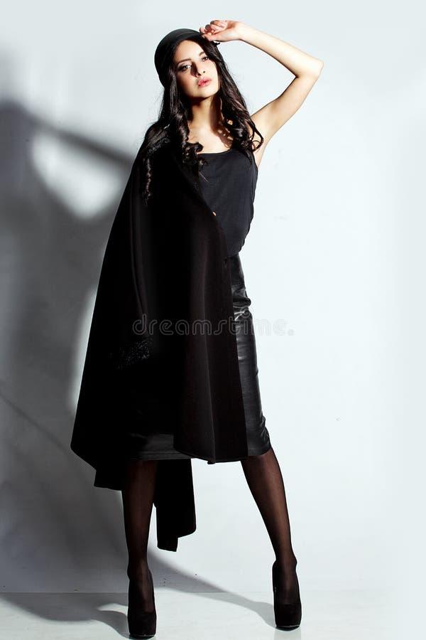 Mulher bonita em um chapéu imagem de stock royalty free