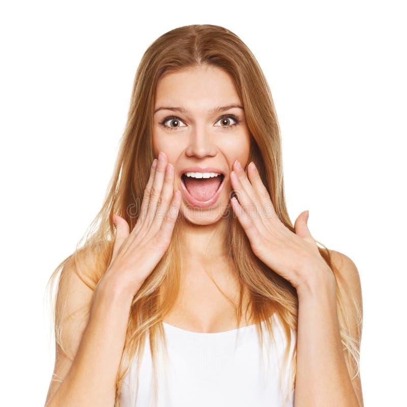 Mulher bonita feliz surpreendida no excitamento Isolado sobre o branco foto de stock royalty free