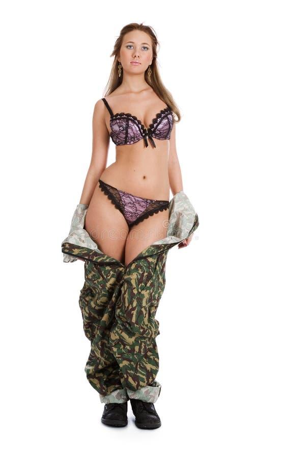 Mulher bonita no uniforme militar fotografia de stock
