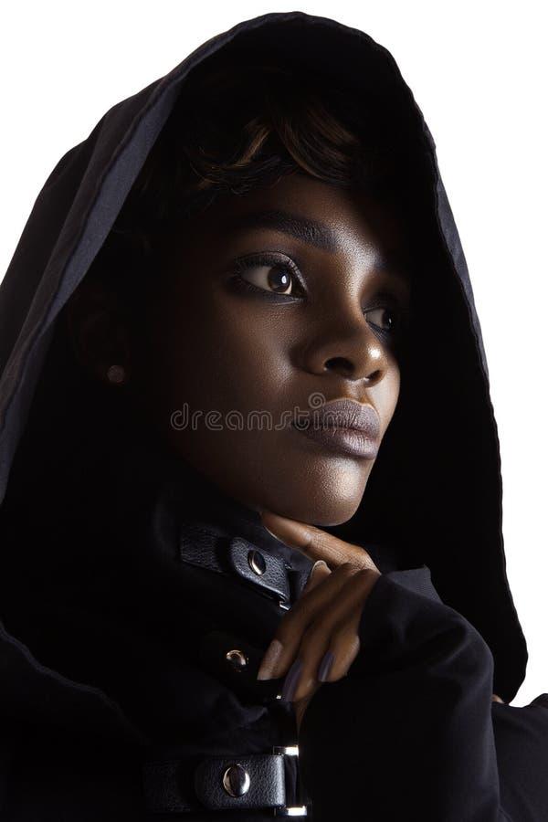 A mulher bonita nova com pele perfeita limpa compõe fotos de stock