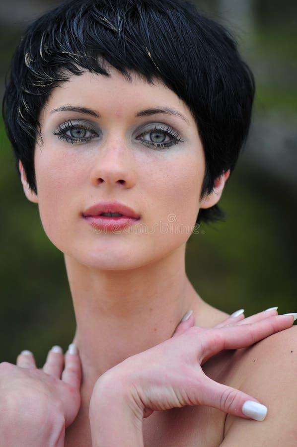 Mulher bonita nova do retrato imagem de stock