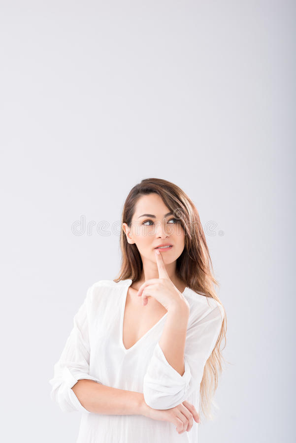 Mulher bonita pensativa fotos de stock royalty free