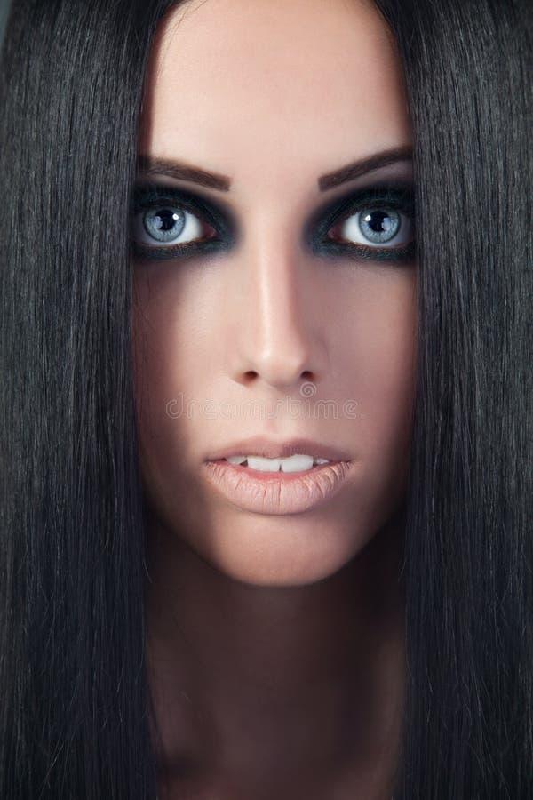 Mulher bonita. Retrato da forma. Composição da face do Fim-acima fotos de stock royalty free