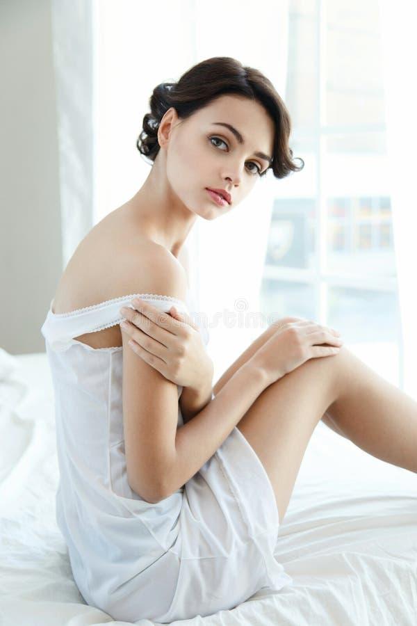 Mulher bonita sensual fotografia de stock royalty free