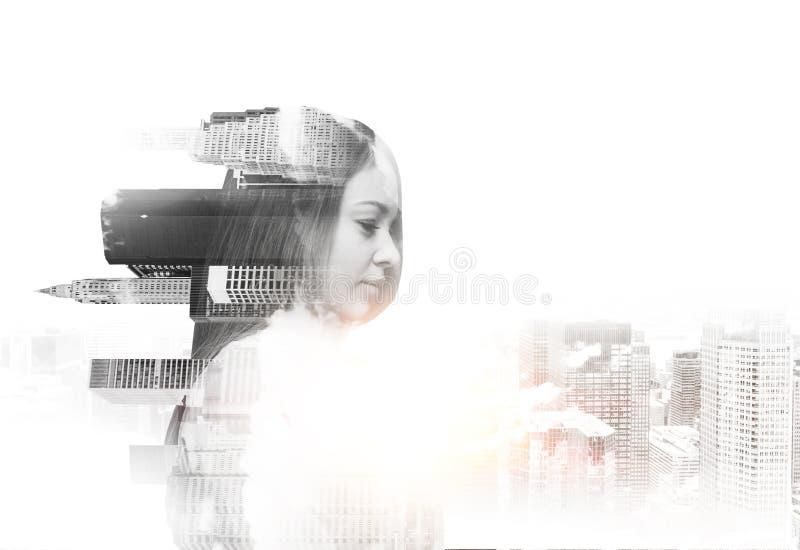 Mulher bonita transparente abstrata com opinião de New York no fundo branco Um conceito do sucesso imagem de stock royalty free