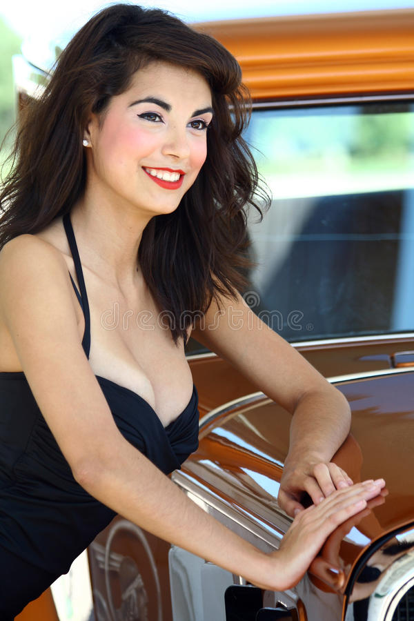 Mulher bonito do estilo de Pinup imagens de stock royalty free