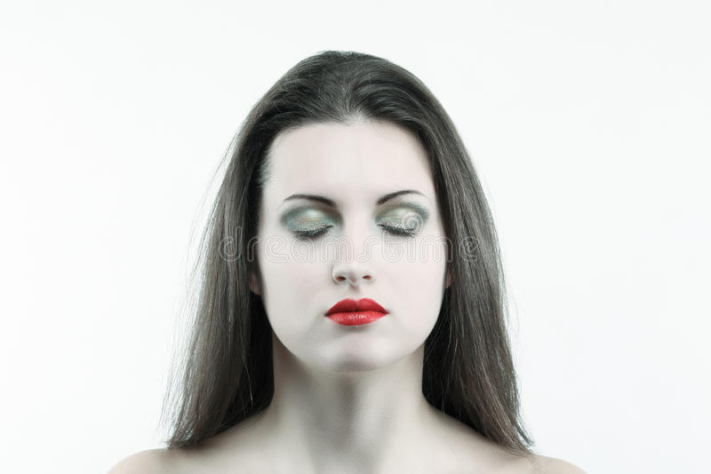 Mulher branca da pele com os olhos fechados foto de stock