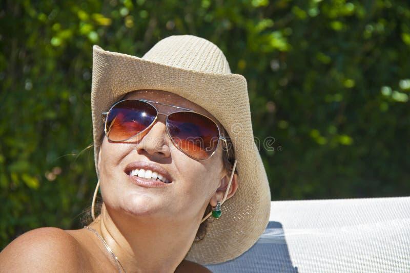 Mulher brasileira e verão imagens de stock