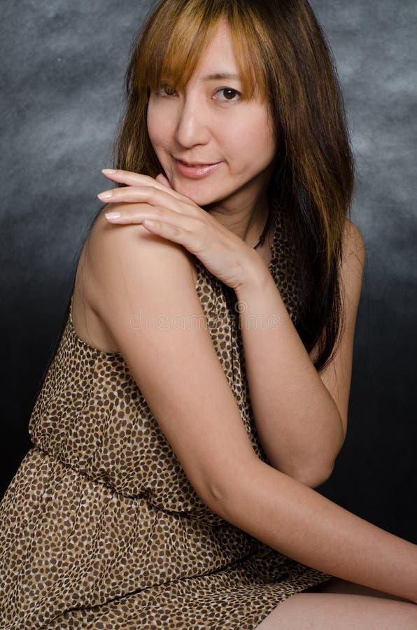 Mulher Chinesa Atrativa Dos Anos Quarenta Imagens de Stock Royalty Free