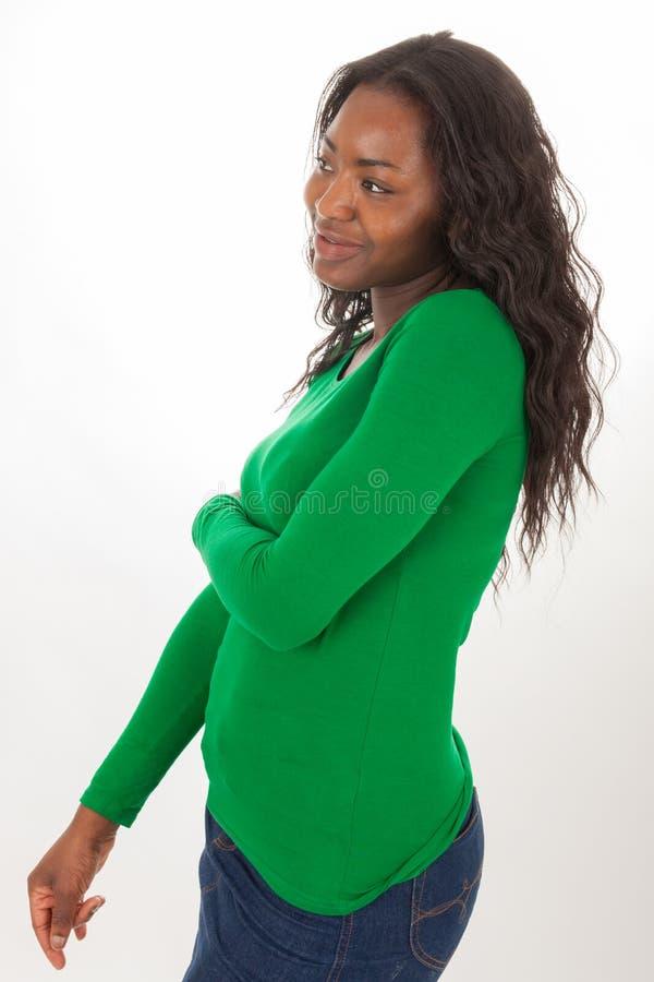 A mulher colorida está estando na frente da câmera imagens de stock