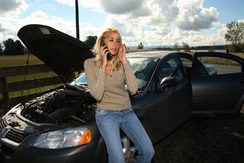 Mulher com auto problema fotografia de stock royalty free