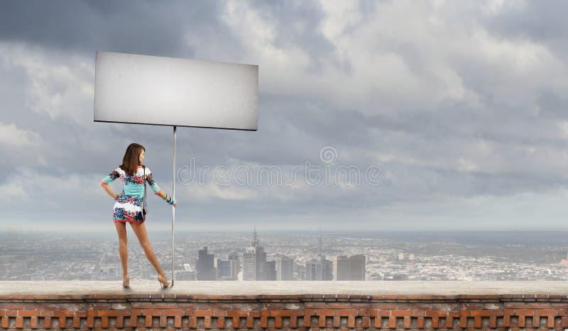 Mulher com bandeira foto de stock royalty free