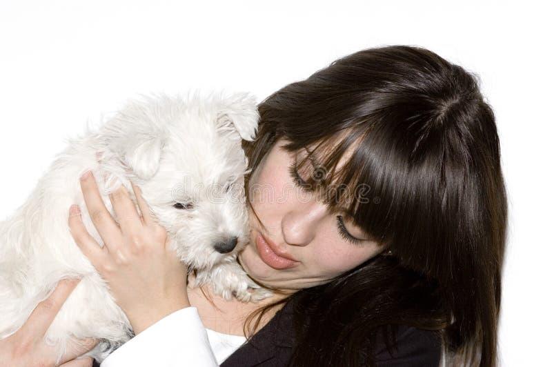 Mulher com cão imagem de stock