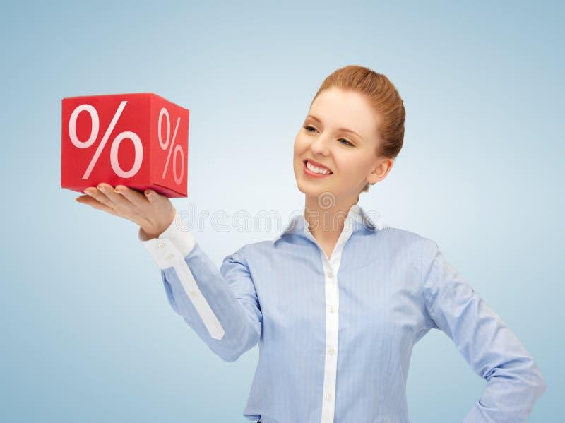 Mulher com a caixa grande dos por cento imagem de stock