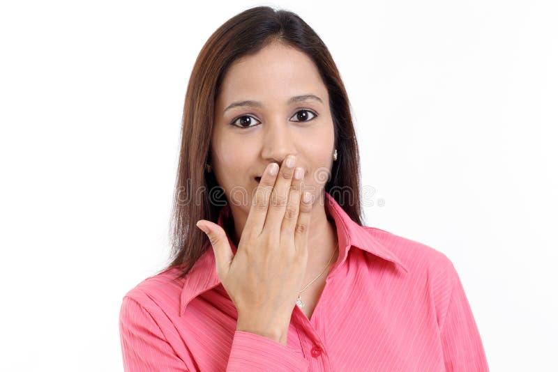 A mulher com cede a boca imagens de stock