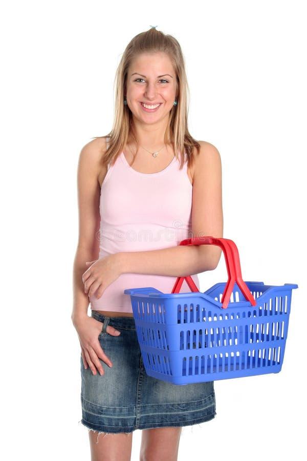 Mulher com cesta de compra fotos de stock