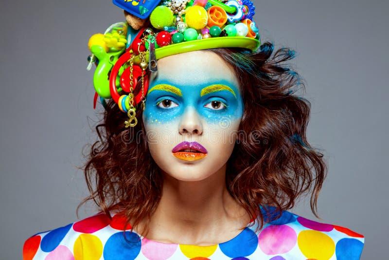 Mulher com composição criativa do pop art imagens de stock