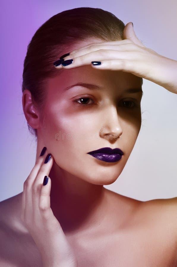Mulher com composição do encanto imagem de stock royalty free