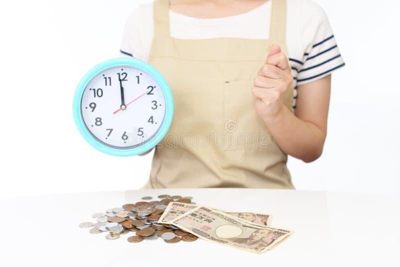 Mulher com dinheiro fotos de stock royalty free