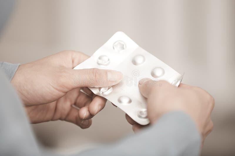 Mulher com drogas imagens de stock royalty free