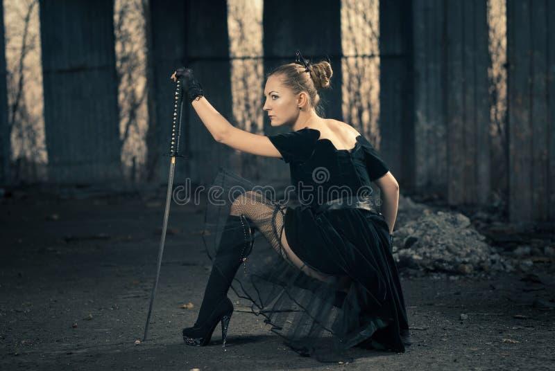 Mulher com espada fotos de stock royalty free