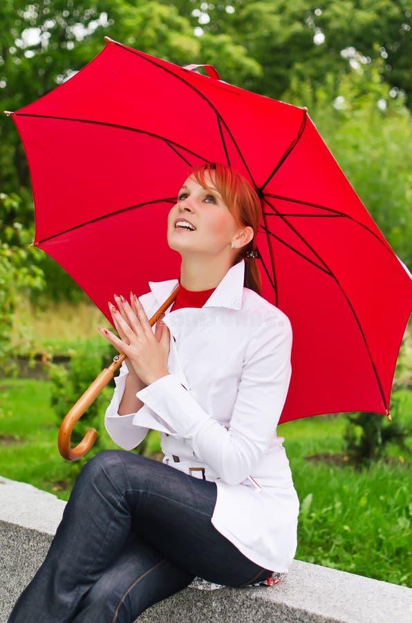 Download Mulher com guarda-chuva imagem de stock. Imagem de retrato - 26516861