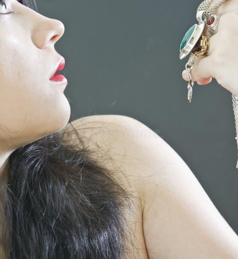 Mulher com jóias foto de stock royalty free