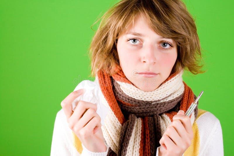 Download Mulher Com Lenço E Termômetro Foto de Stock - Imagem de mulher, inverno: 16858928