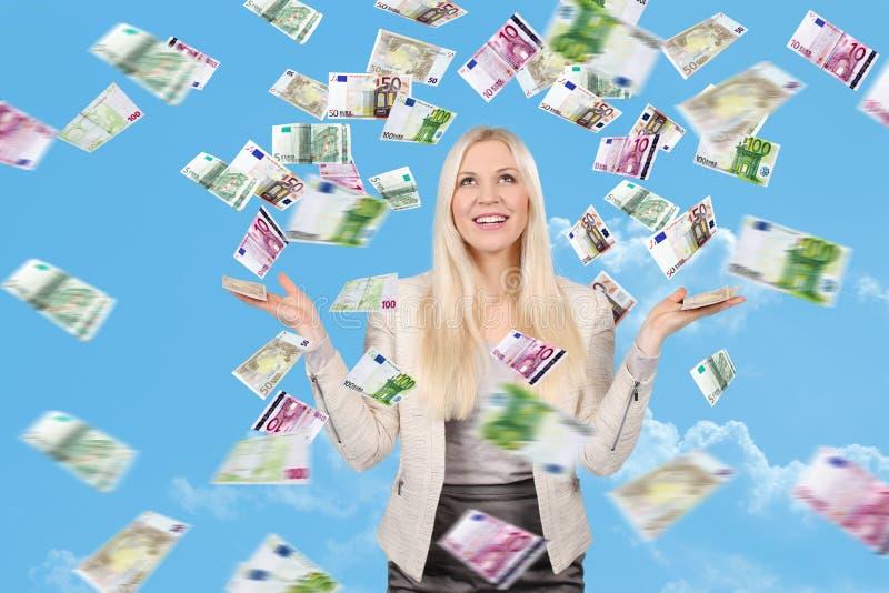 Mulher com lotes das cédulas fotos de stock royalty free