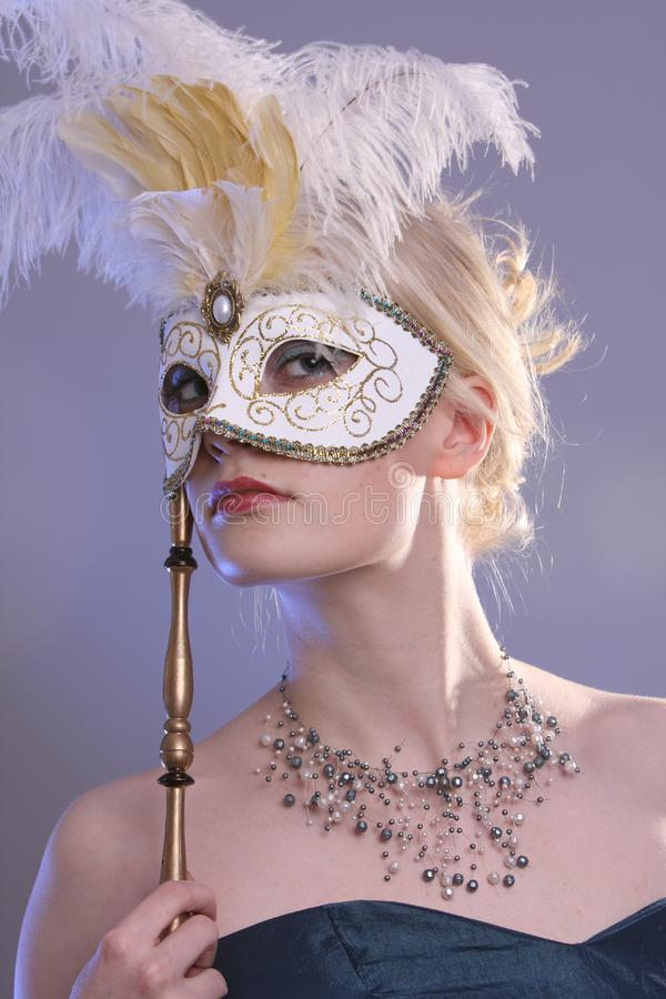 Mulher com máscara fotografia de stock