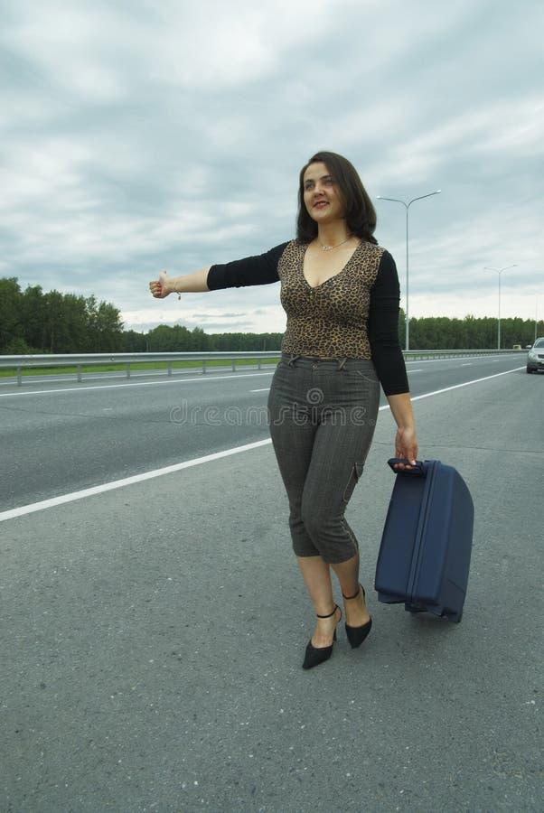 Mulher com mala de viagem foto de stock royalty free