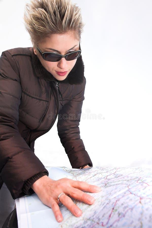 Mulher com mapa de estrada fotos de stock royalty free