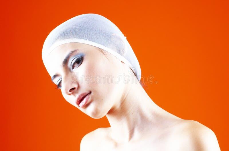 Mulher com o cabelo coberto - 3 foto de stock