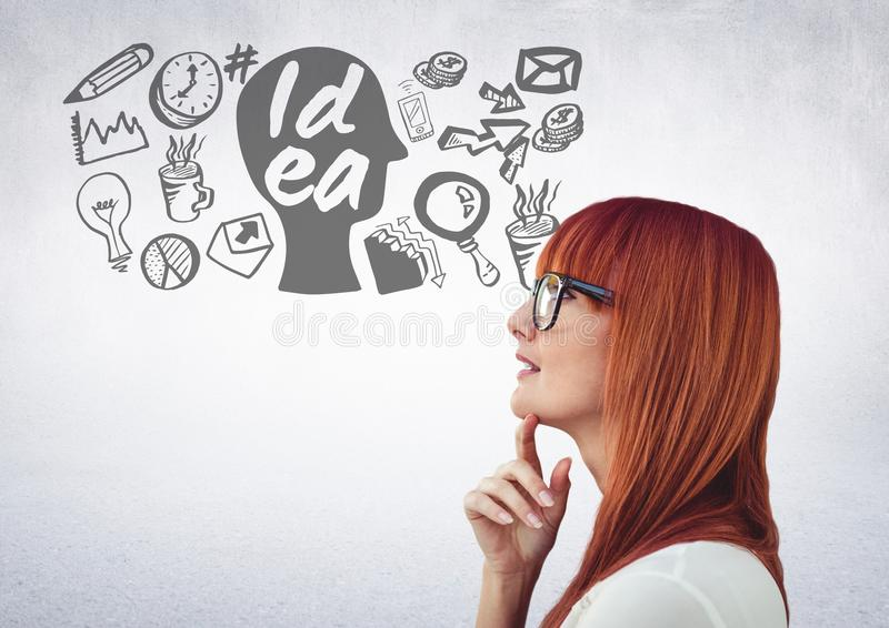 Mulher com os desenhos gráficos da ideia e de negócio imagem de stock