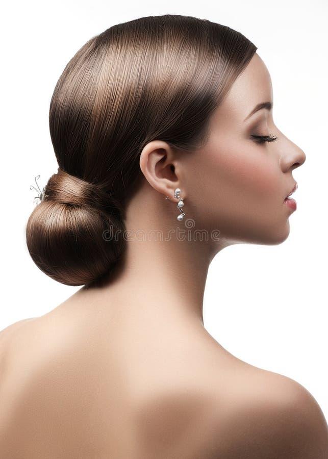 Mulher com penteado bonito imagens de stock royalty free