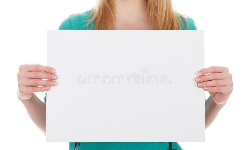 Mulher com placa branca em branco fotos de stock