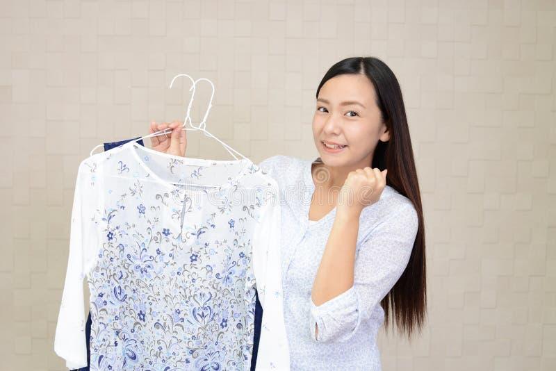mulher com roupa imagem de stock royalty free