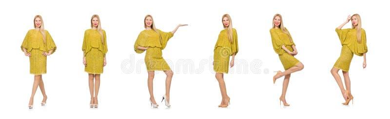 Mulher consideravelmente alta no vestido amarelo isolado no branco imagem de stock