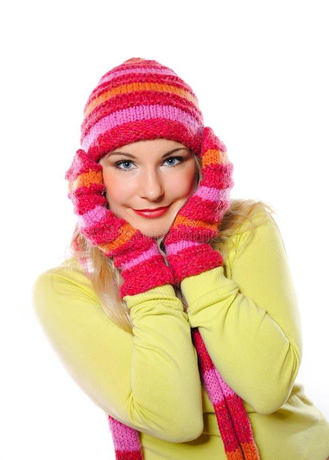 Mulher consideravelmente engraçada no chapéu e nas luvas fotografia de stock