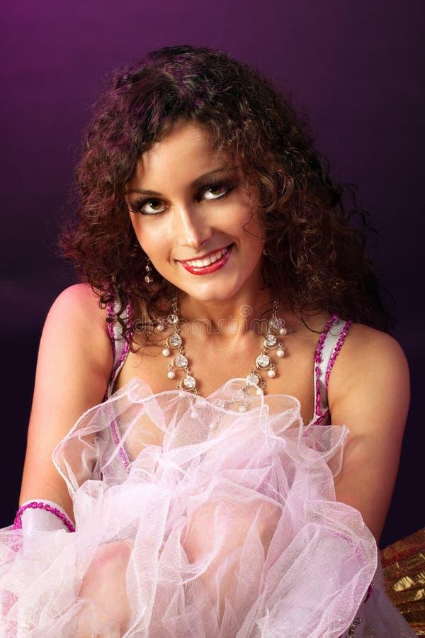 Mulher da beleza no olhar do tutu do bailado em você fotos de stock royalty free