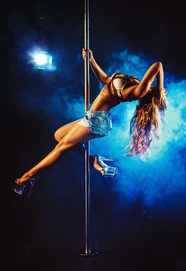 Mulher da dança de Polo imagens de stock royalty free