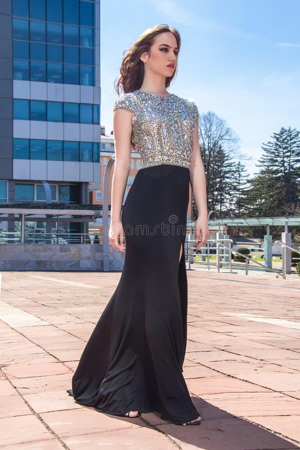 Mulher da forma no vestido fotografia de stock royalty free