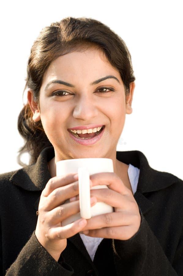 Mulher de negócio alegre com café fotos de stock