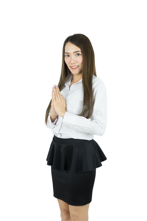 Mulher de negócio asiática com cultura tailandesa Sawasdee, expressão bem-vinda Sawasdee com copyspace vazio fotos de stock
